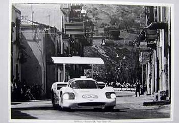 Targa Florio 1967. Hill Und Sharp Im Chapparal 2f.